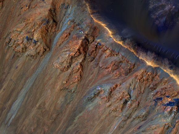 Nova teoria sobre o que causa deslizamentos de terra em Marte