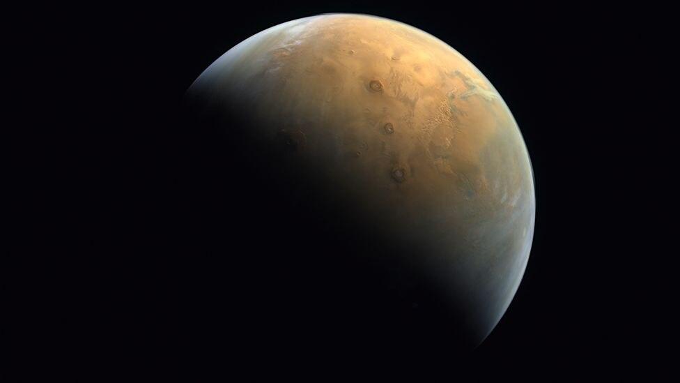 Primeira imagem de Marte feita da Sonda Hope dos Emirados Árabes Unidos
